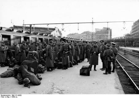 Ankunft d. 9. Pol. Bataillons auf dem Osloer Bahnhof