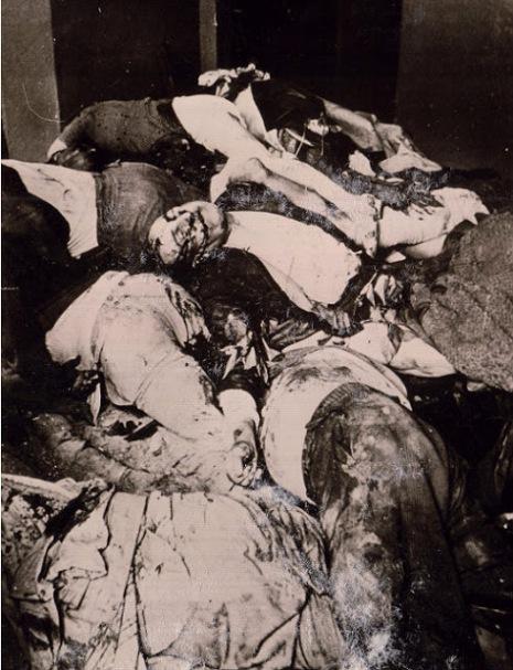 Трупи+розстріляних+в'язнів+у+камері+в'язниці+на+Лонцького.+м.Львів,+1+липня+1941+р