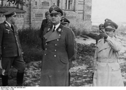 Kiew: Besuch des Reichsleiters Rosenberg in Kiew. Besichtigung der Lawra