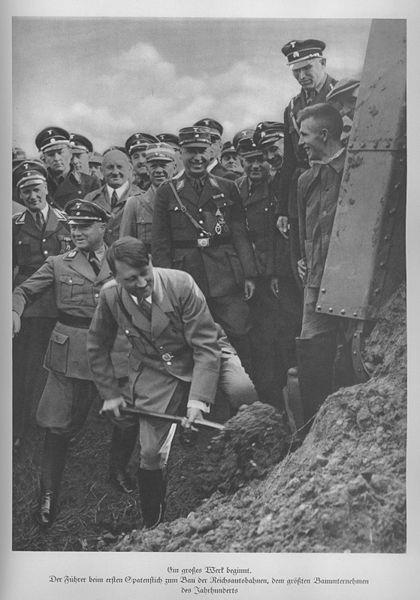 420px-Spatenstich_Reichsautobahn_Franfurt-Main_1933