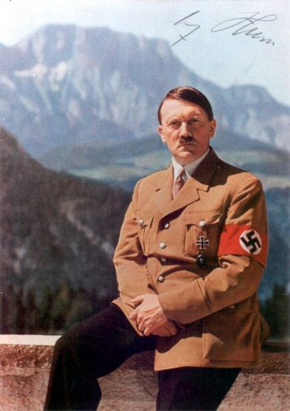 423px-Adolf_Hitler_005