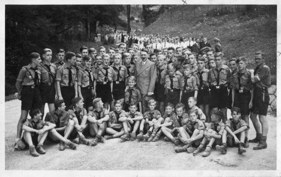 Fuehrer und Jugend
