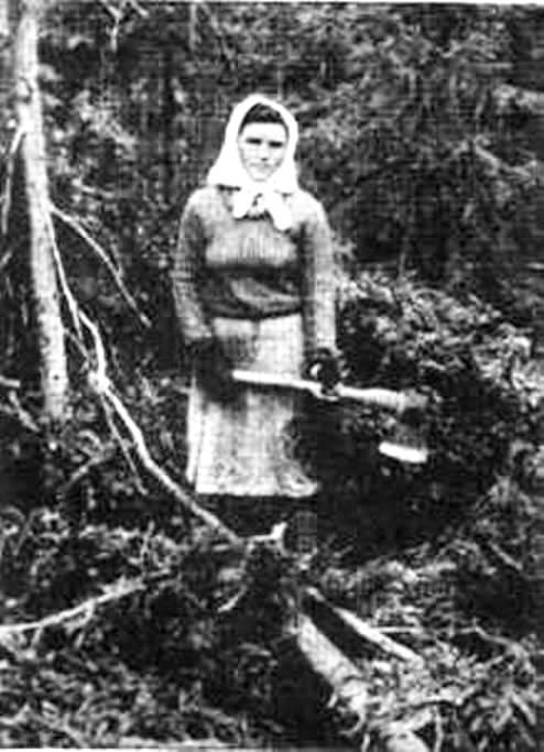Немка из Поволжья в Красноярском крае. 1942 г.